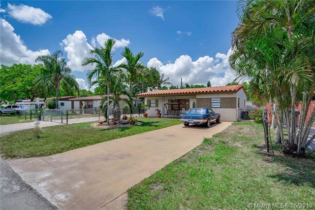 6317 Grant Ct, Hollywood, FL 33024 (MLS #A10679003) :: Grove Properties
