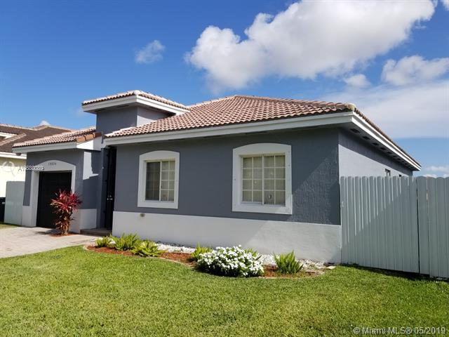 10834 SW 229th St, Miami, FL 33170 (MLS #A10680089) :: Green Realty Properties