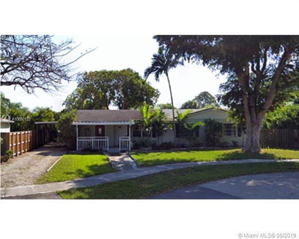 18723 SW 93rd Ct, Cutler Bay, FL 33157 (MLS #A10680123) :: Grove Properties