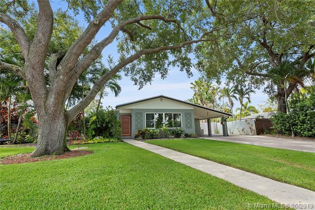 6 Redwood Cir, Plantation, FL 33317 (MLS #A10680176) :: Grove Properties