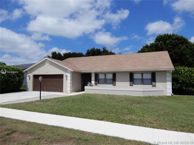 8642 White Egret Way, Lake Worth, FL 33467 (MLS #A10682411) :: The Brickell Scoop