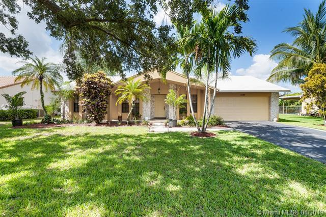 5180 SW 20th St, Plantation, FL 33317 (MLS #A10683685) :: The Paiz Group