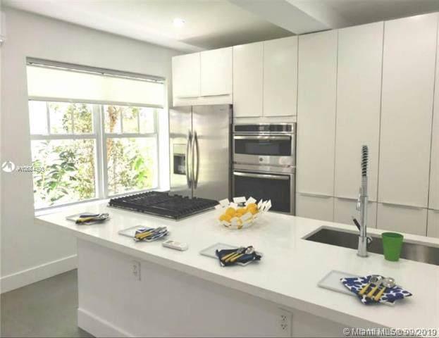 752 N Meridian Ave #17, Miami Beach, FL 33139 (MLS #A10684398) :: Grove Properties