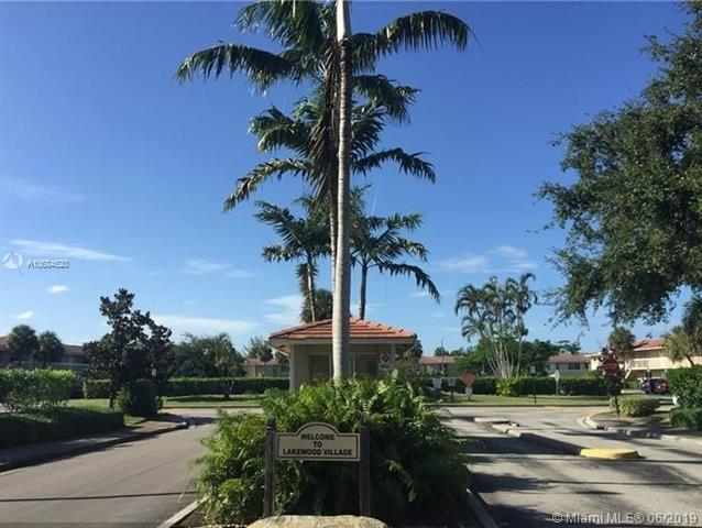 10163 Twin Lakes Dr O-23, Coral Springs, FL 33071 (MLS #A10684520) :: The Brickell Scoop