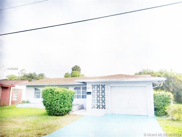 3002 NW 48th St, Tamarac, FL 33309 (MLS #A10684908) :: The Brickell Scoop