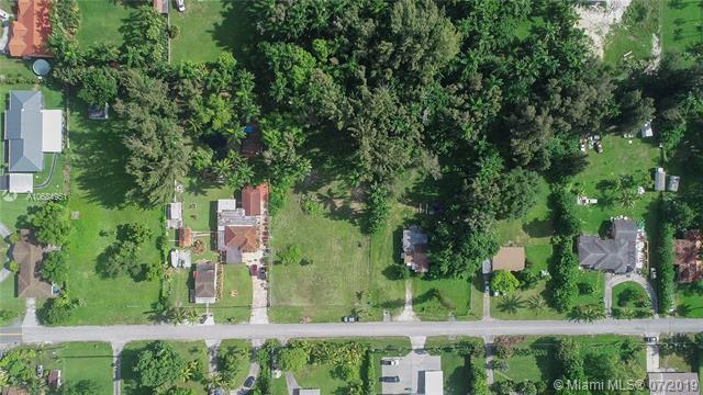 75 NE 156th St, Miami, FL 33162 (MLS #A10684951) :: Grove Properties