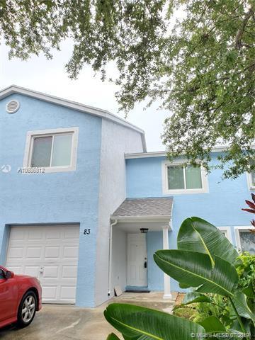 83 Fairway Ln, Royal Palm Beach, FL 33411 (MLS #A10685312) :: The Paiz Group