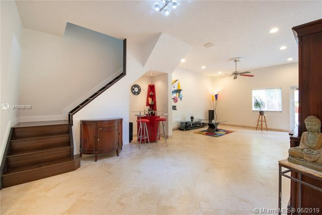 2729 Treasure Cove Circle #2729, Dania Beach, FL 33312 (MLS #A10686158) :: Ray De Leon with One Sotheby's International Realty