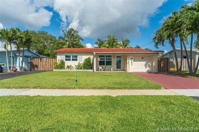 4481 SW 34th Dr, Dania Beach, FL 33312 (MLS #A10686810) :: The Brickell Scoop