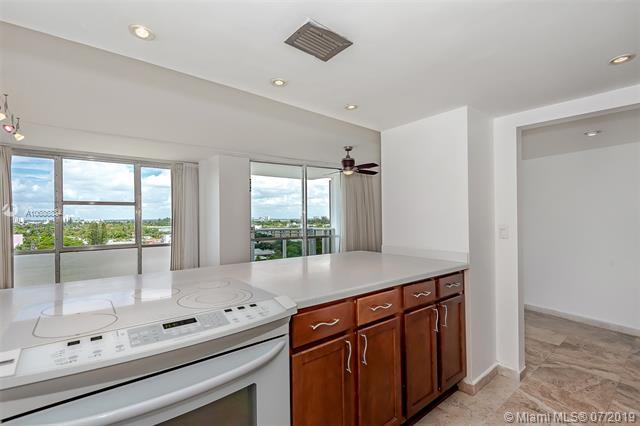 900 Bay Dr #819, Miami Beach, FL 33141 (MLS #A10686834) :: Grove Properties