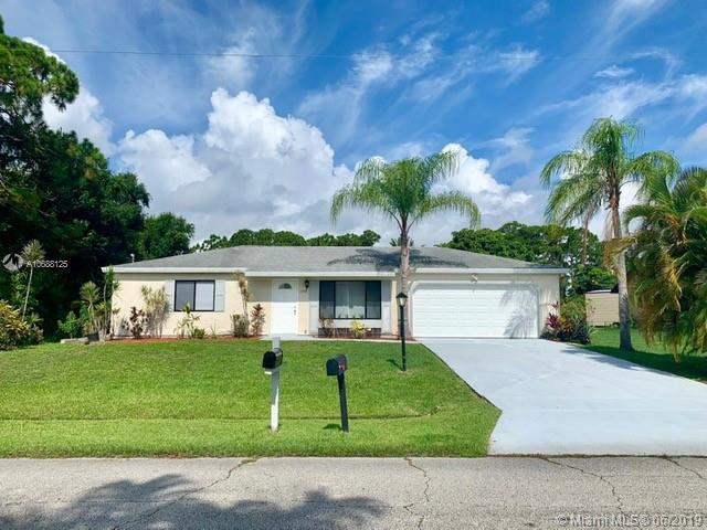 1772 SE Lorraine St, Port Saint Lucie, FL 34952 (MLS #A10688125) :: The Teri Arbogast Team at Keller Williams Partners SW