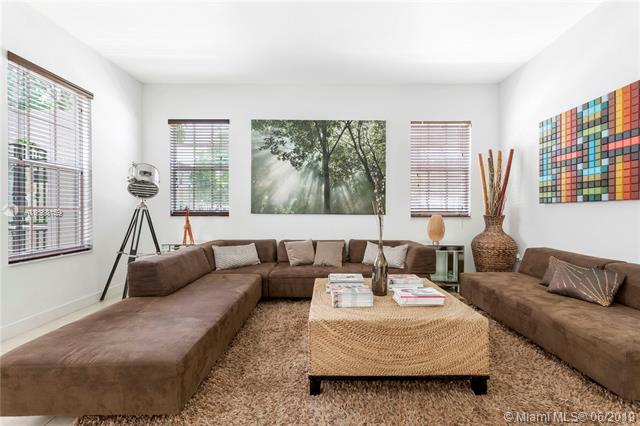 869 SW 146th Ter #869, Pembroke Pines, FL 33027 (MLS #A10688159) :: Green Realty Properties