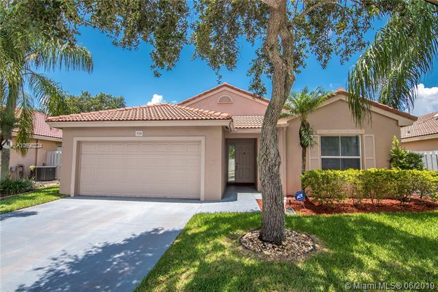 980 NW 166th Ave, Pembroke Pines, FL 33028 (MLS #A10690224) :: The Brickell Scoop
