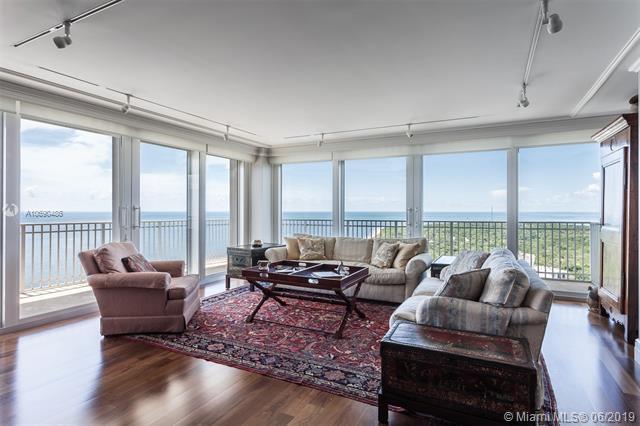 881 Ocean Drive 27A, Key Biscayne, FL 33149 (MLS #A10690486) :: Laurie Finkelstein Reader Team