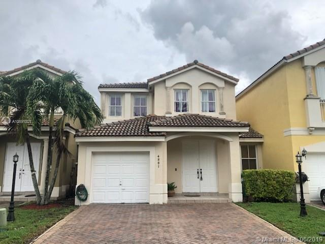 4881 NW 108th Path, Doral, FL 33178 (MLS #A10691001) :: The Brickell Scoop