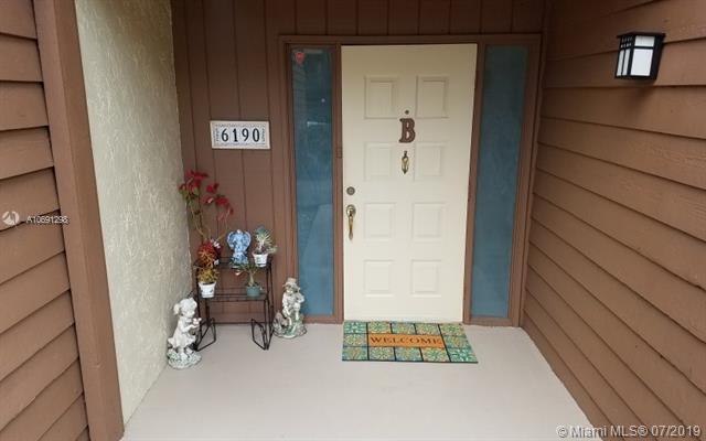 6190 Laurel Ln B, Tamarac, FL 33319 (MLS #A10691298) :: Green Realty Properties