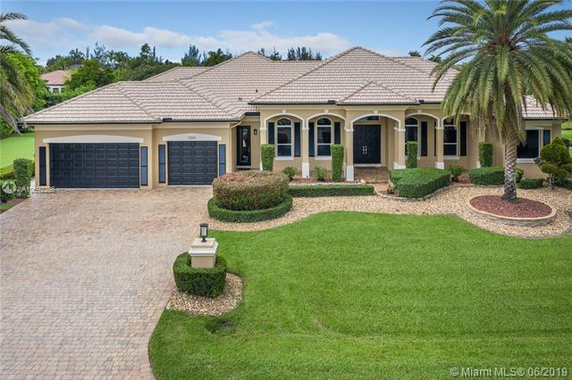 11300 NW 19th St, Plantation, FL 33323 (MLS #A10692286) :: The Jack Coden Group