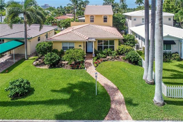 1250 Adams St, Hollywood, FL 33019 (MLS #A10692397) :: GK Realty Group LLC