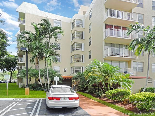 13120 SW 92nd Ave B-401, Miami, FL 33176 (MLS #A10693199) :: The Erice Group