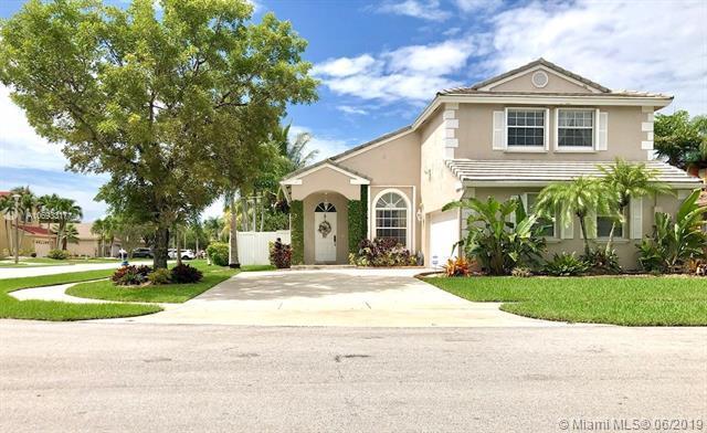 17502 NW 12th St, Pembroke Pines, FL 33029 (MLS #A10693317) :: Green Realty Properties