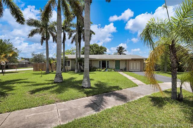 9202 SW 181st Ter, Palmetto Bay, FL 33157 (MLS #A10694344) :: Green Realty Properties