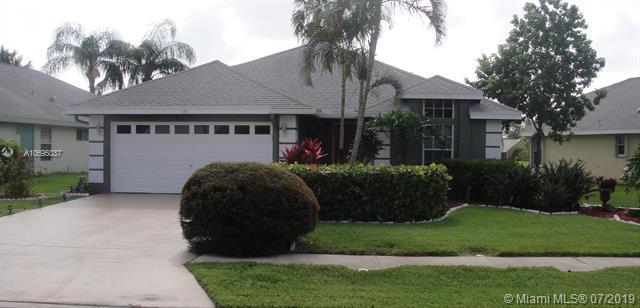 49 Heather Cove Dr, Boynton Beach, FL 33436 (MLS #A10695037) :: Grove Properties