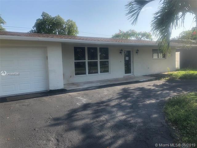 4721 W Park Rd, Hollywood, FL 33021 (MLS #A10695390) :: Grove Properties