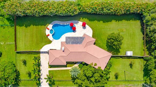 1400 NW 114th Ave, Plantation, FL 33323 (MLS #A10695470) :: The Jack Coden Group