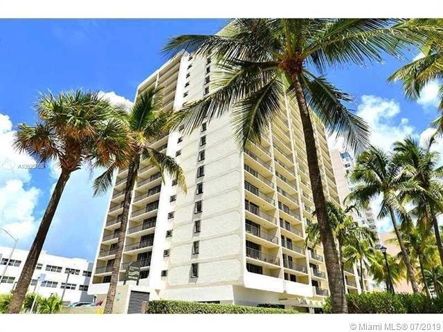 2625 Collins Av #1810, Miami Beach, FL 33140 (MLS #A10695765) :: The Paiz Group