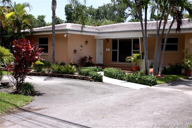 1222 Bird Rd, Coral Gables, FL 33146 (MLS #A10695772) :: Laurie Finkelstein Reader Team