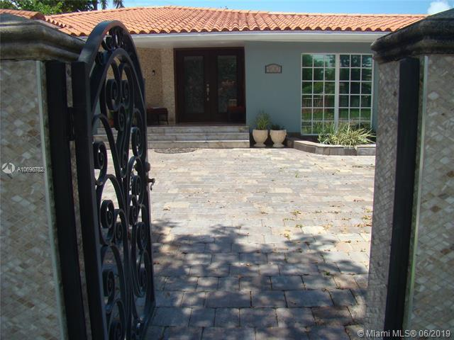 400 SW 24th Rd, Miami, FL 33129 (MLS #A10696782) :: Ray De Leon with One Sotheby's International Realty
