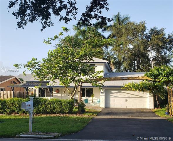 11730 NW 44th St, Sunrise, FL 33323 (MLS #A10697012) :: Grove Properties