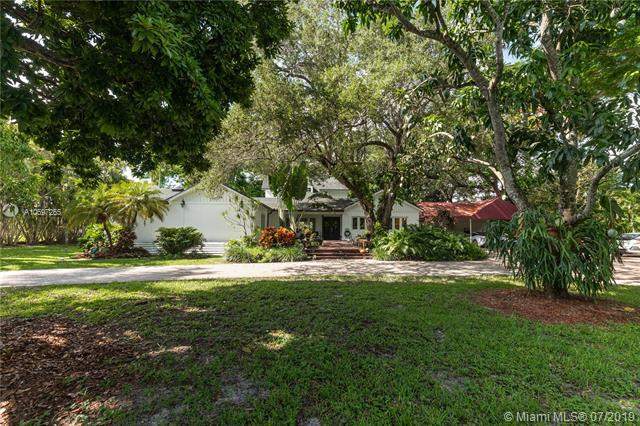 8940 SW 112th St, Miami, FL 33176 (MLS #A10697265) :: Green Realty Properties