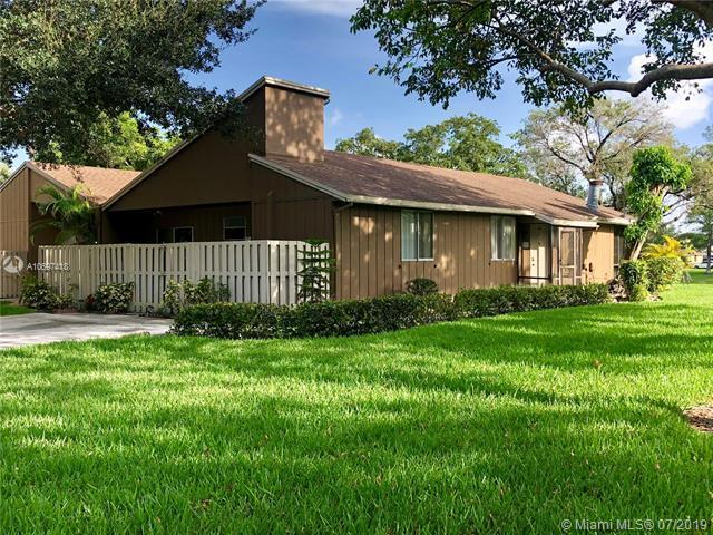 22303 Misty Woods Way #22303, Boca Raton, FL 33428 (MLS #A10697418) :: Berkshire Hathaway HomeServices EWM Realty