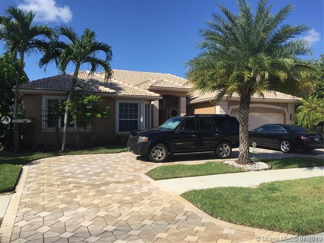 8403 N Lake Forest Dr, Davie, FL 33328 (MLS #A10697794) :: Grove Properties