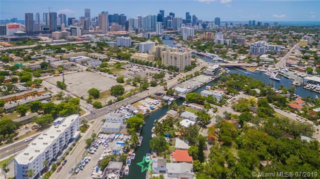 805 NW 7th St Rd, Miami, FL 33136 (MLS #A10697828) :: Grove Properties