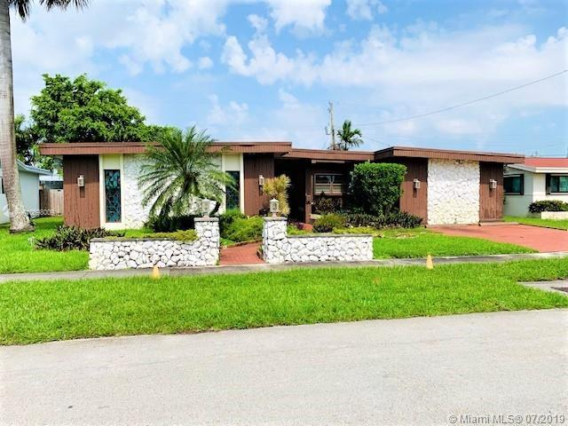 19600 Ne 19th Ave, Miami, FL 33179 (MLS #A10698009) :: Grove Properties