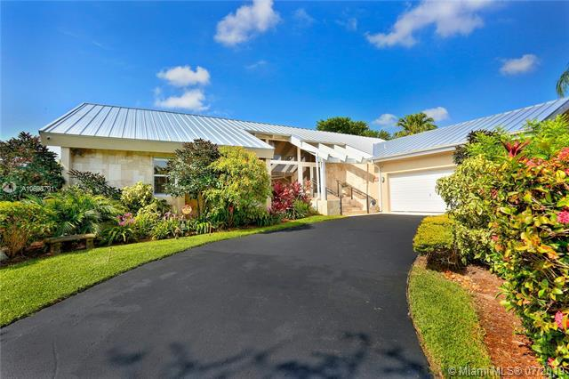 7820 SW 170th St, Palmetto Bay, FL 33157 (MLS #A10698791) :: Green Realty Properties
