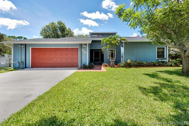 5684 SE Orange Blossom Trl, Hobe Sound, FL 33455 (MLS #A10699053) :: Grove Properties