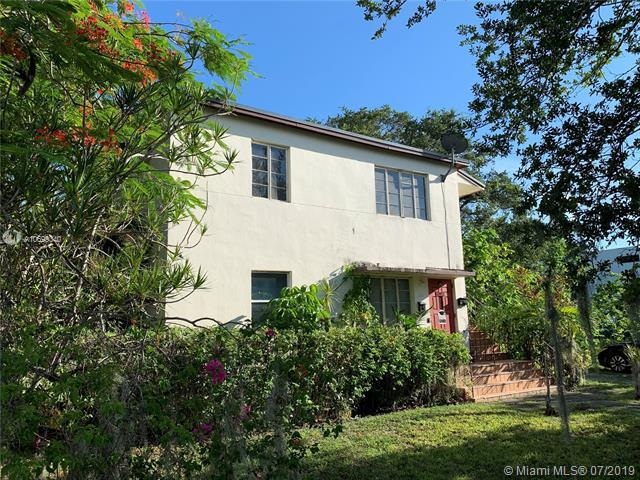 3400 Day Ave, Coconut Grove, FL 33133 (MLS #A10699340) :: Berkshire Hathaway HomeServices EWM Realty