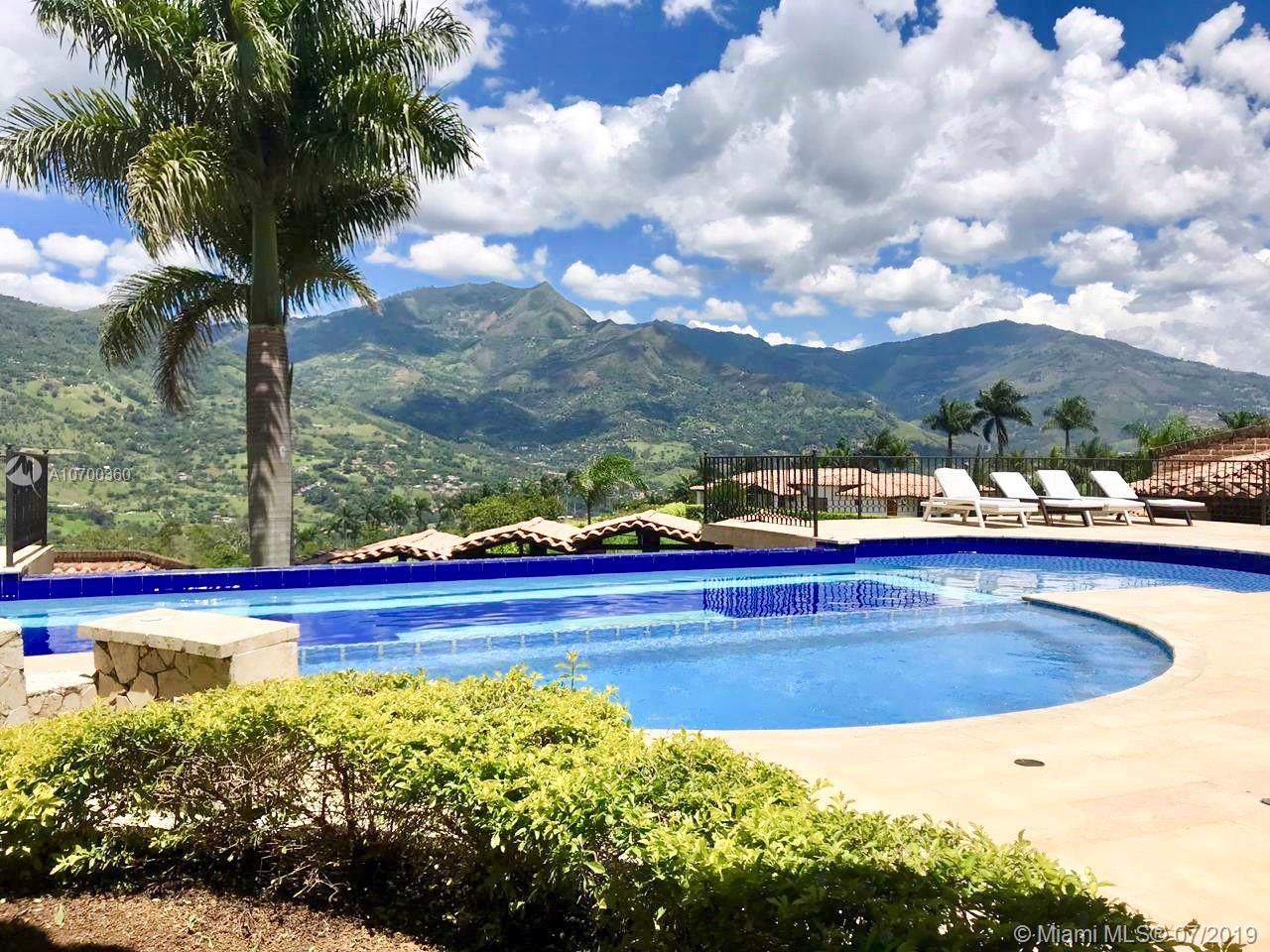 Sierra Linda Medellin, Colombia - Photo 1