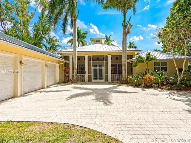 10001 SW 60th Ave, Pinecrest, FL 33156 (MLS #A10701420) :: Ray De Leon with One Sotheby's International Realty