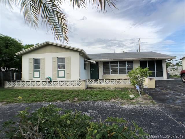 6800 NW 6th St, Margate, FL 33063 (MLS #A10702290) :: The Teri Arbogast Team at Keller Williams Partners SW