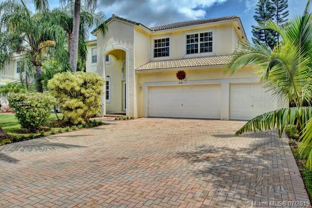 5791 NW 48th Ct, Coral Springs, FL 33067 (MLS #A10702303) :: The Paiz Group