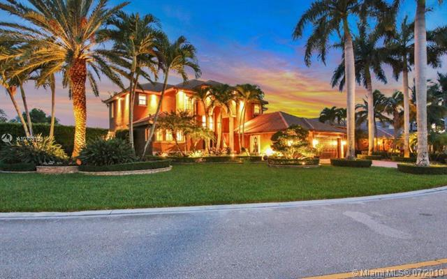 10894 NW 71st Ct, Parkland, FL 33076 (MLS #A10703126) :: Grove Properties