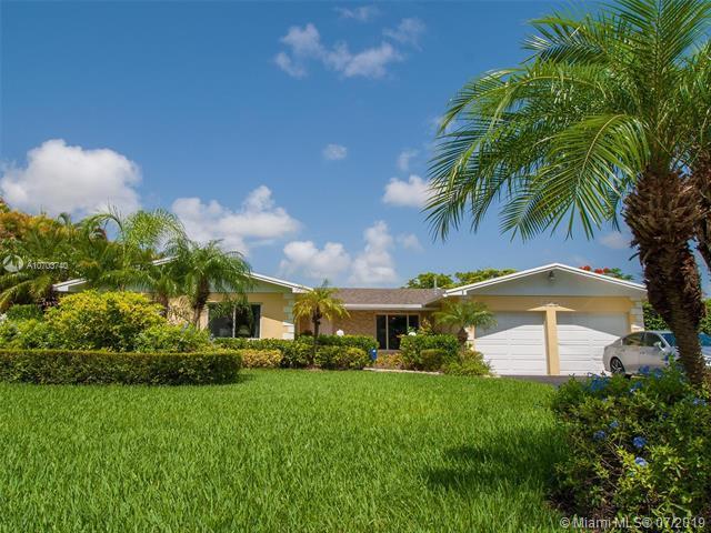18250 SW 88th Place, Palmetto Bay, FL 33157 (MLS #A10703740) :: Berkshire Hathaway HomeServices EWM Realty