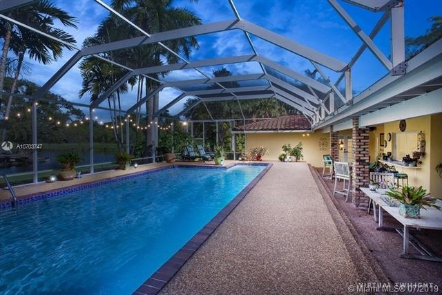 17305 SW 78th Ct, Palmetto Bay, FL 33157 (MLS #A10703747) :: Green Realty Properties