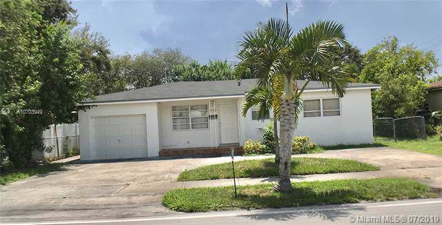 307 S 28th Ave, Hollywood, FL 33020 (MLS #A10703949) :: The Teri Arbogast Team at Keller Williams Partners SW