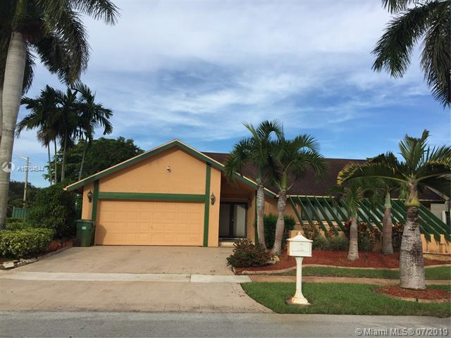 2431 NW 102nd Way, Pembroke Pines, FL 33026 (MLS #A10704544) :: Castelli Real Estate Services