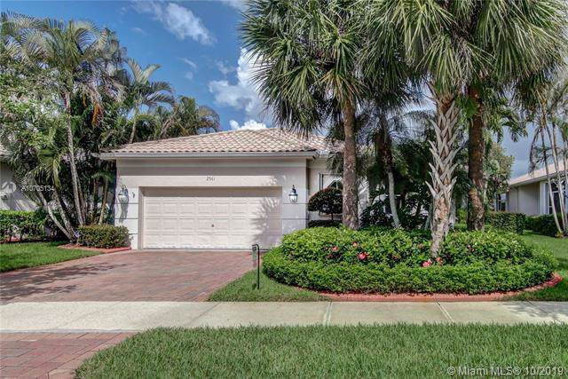 2561 Bay Pointe Dr, Weston, FL 33327 (MLS #A10705134) :: Green Realty Properties